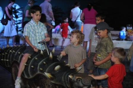 dino-ride-ankylosaurus-2