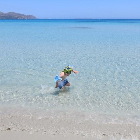 la spiaggia di Solanas, tra Villasimius e Torre delle Stelle.