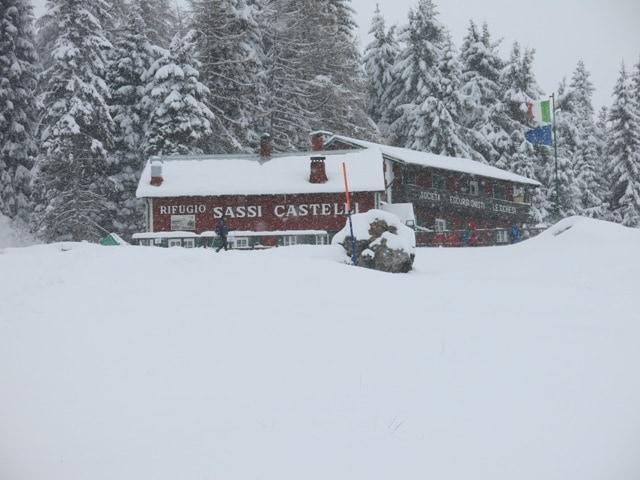 I piani di artavaggio in valsassina con la neve dai che for Chi disegna i piani di casa