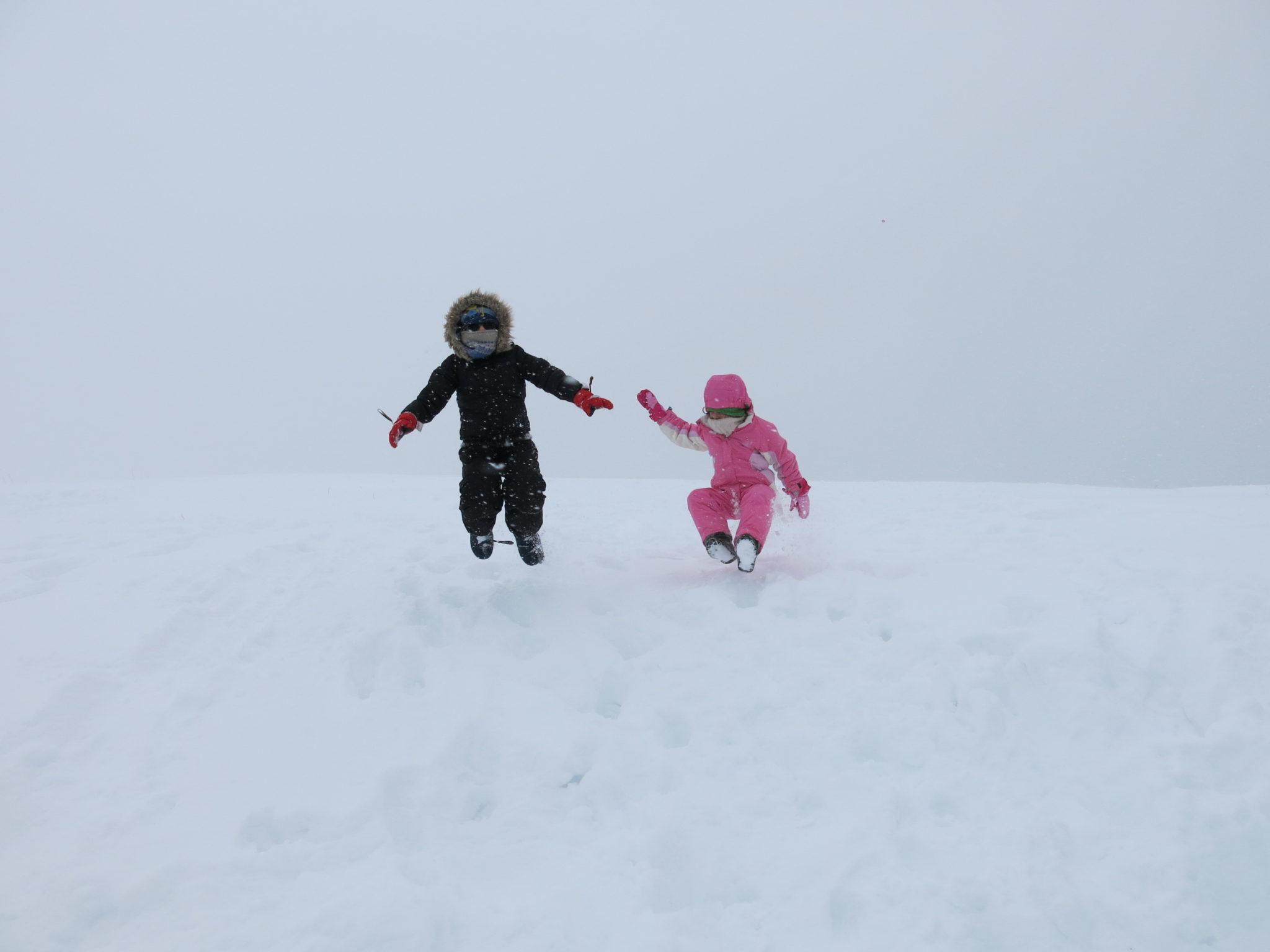 I piani di artavaggio in valsassina con la neve dai che for Piani di stoccaggio con portico