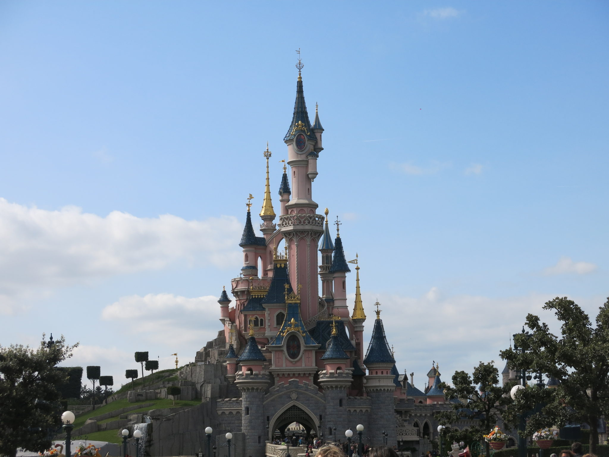 Come e dove prenotare Disneyland Paris: prenotare un sogno | Dai ...