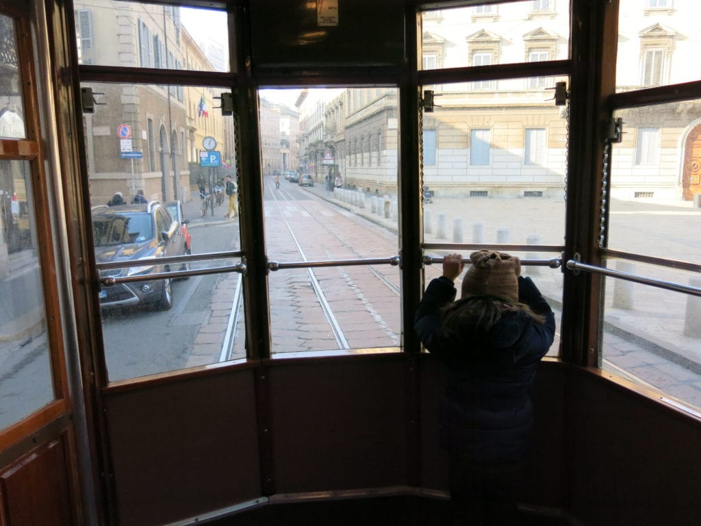 tram storico per scoprire Milano con i bambini