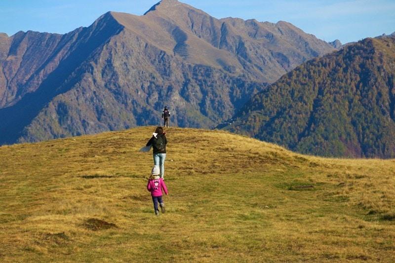 6dbf40278c 10+ passeggiate in autunno con bambini in Lombardia   Dai che ...