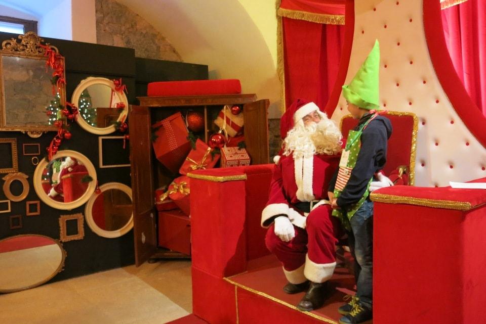Babbo Natale E Gli Elfi.L Accademia Degli Elfi E La Casa Di Babbo Natale A Riva Del Garda