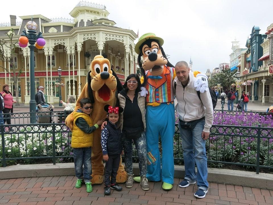 Come e dove prenotare Disneyland Paris: prenotare un sogno | Dai che ...