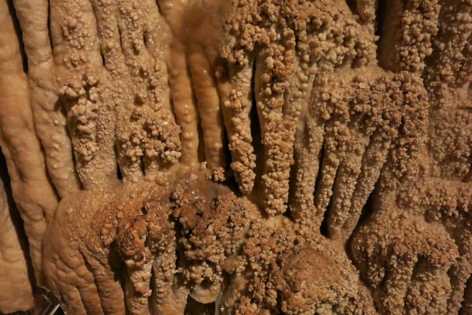 visita alle grotte di toirano