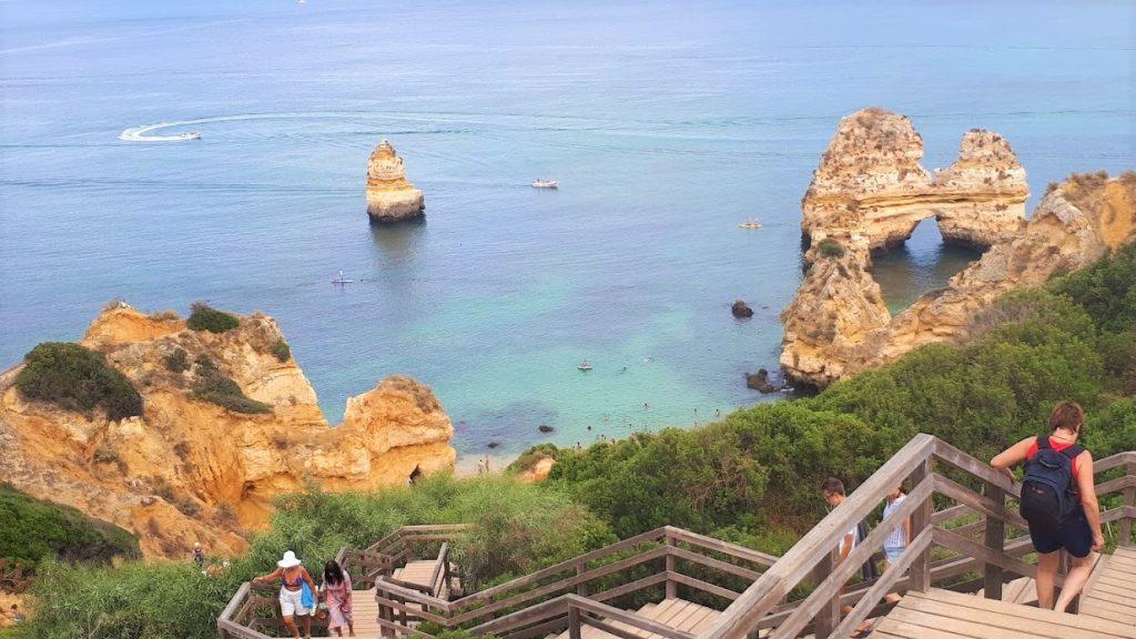 costa e le grotte di Lagos