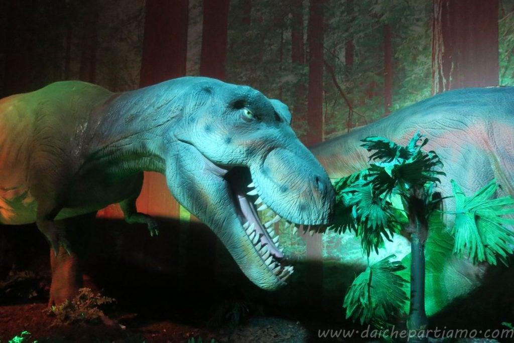 mostra dei dinosauri alla Fabbrica del Vapore