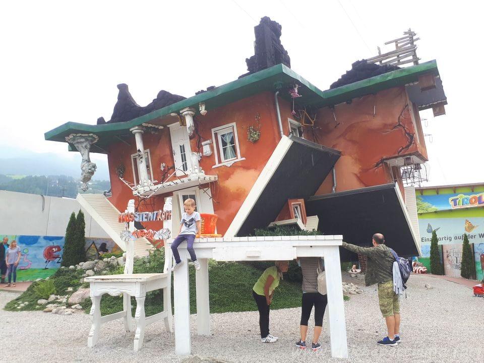 casa capovolta del Tirolo Austriaco